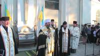 Патріарх освячує знак Небесній сотні
